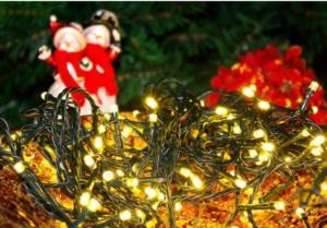 Vánoční osvětlení symbolem Vánoc