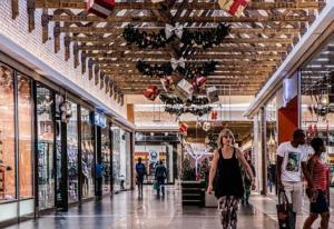Vánoční sortiment na pultech obchodů už od září