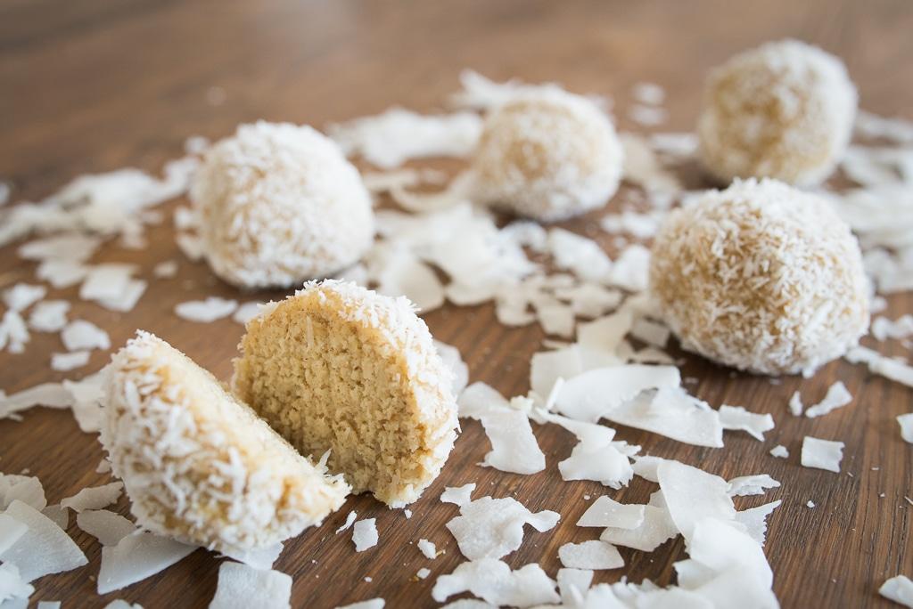 Recept na raw kuličky z kokosu