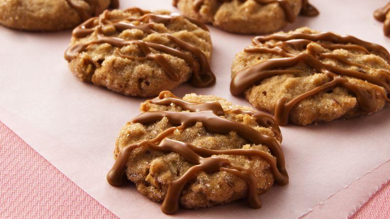 Vánoční ořechové cukroví s čokoládou.