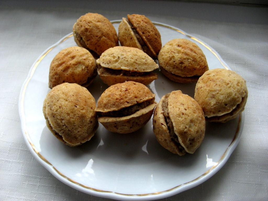 Plněné ořechy jako vánoční cukroví.
