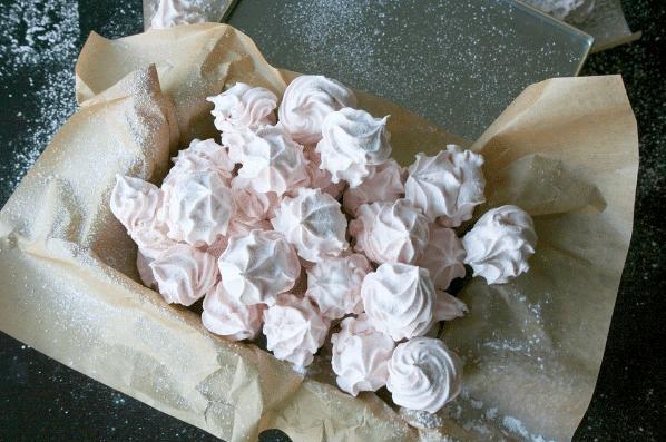 Sněhové pusinky z bílků