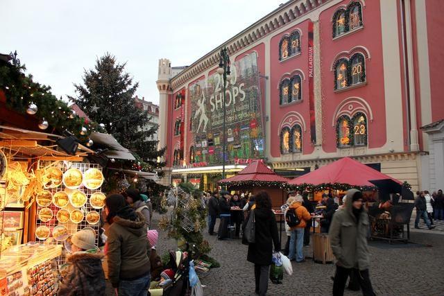 Vánoční trhy na náměstí Republiky v Praze