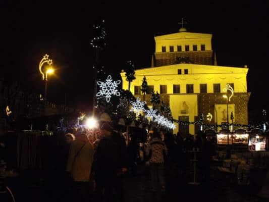 Vánoční trhy na náměstí Jiřího z Poděbrad
