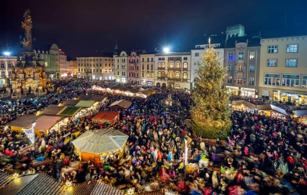 Vánoční trhy na náměstí v Olomouci