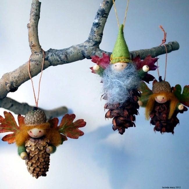 Šišky jako vánoční ozdoba na stromeček.