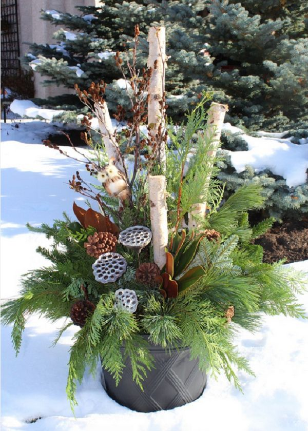 Zahradní vánoční dekorace z přírodnin.