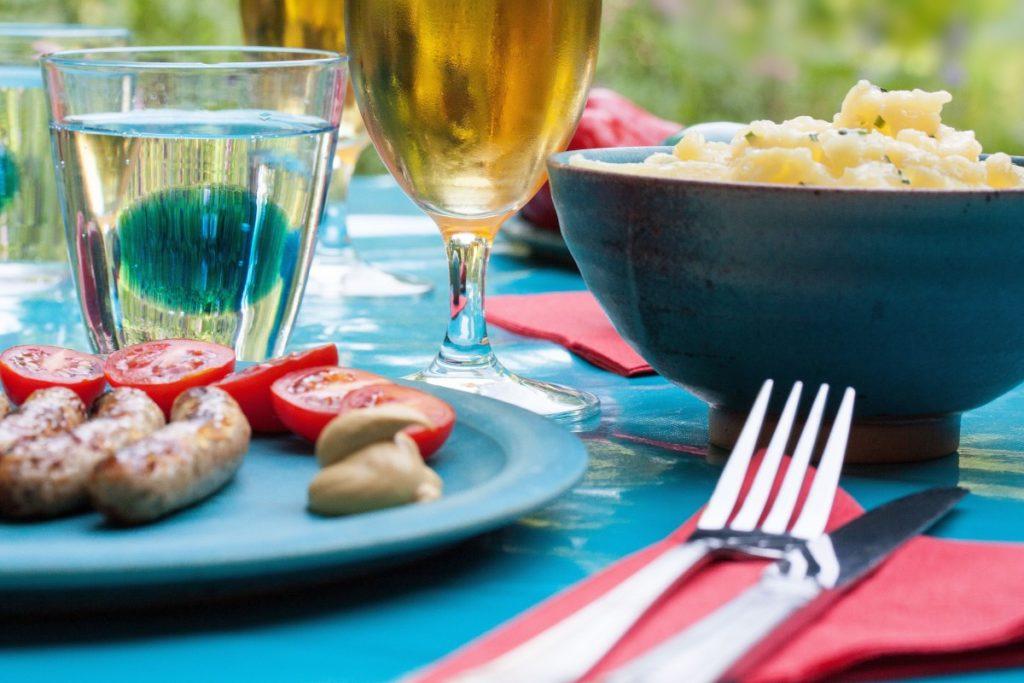 salát z brambor se zálivkou z hořčice a medu