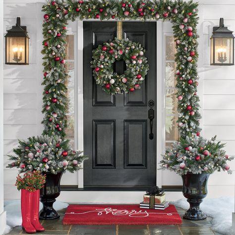 Vánoce v Americe - adventní věnec na dveře.