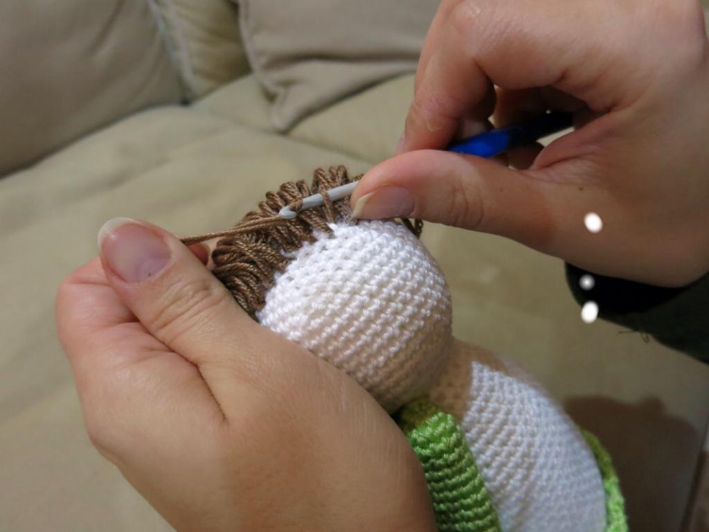 Háčkovaný andělíček - postup výroby vlácků.