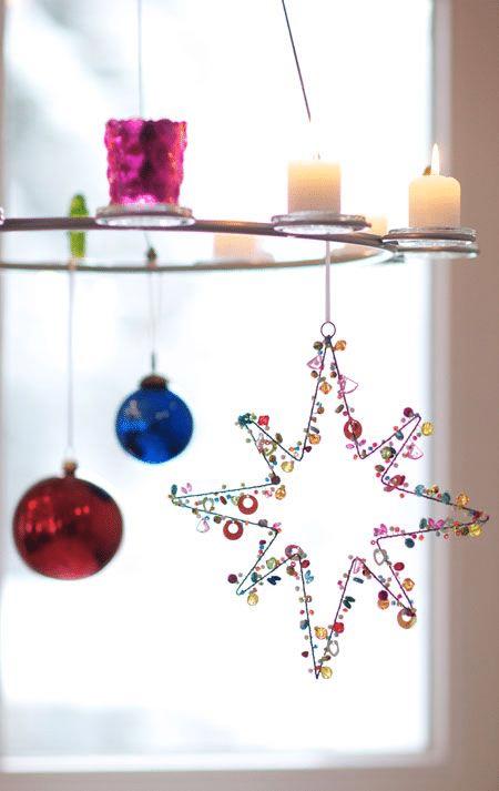 Návod jak si vyrobit jednoduché třpytivé vánoční ozdoby z korálků.