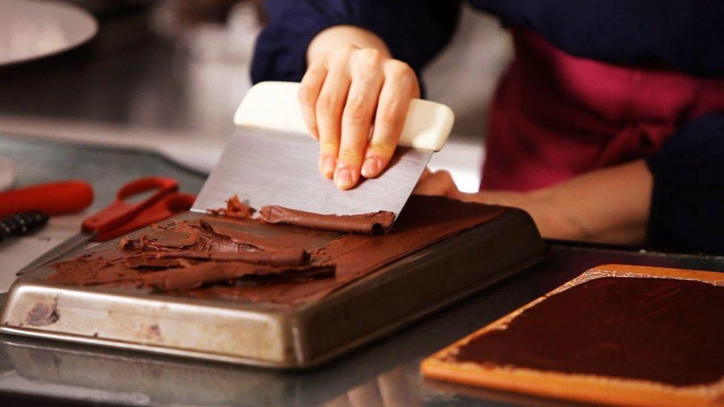 Čokoládové hoblinky jako skvělé vánoční zdobení.