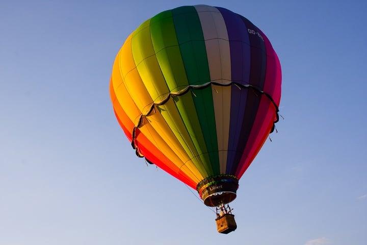 věnujte rodičům například let balónem