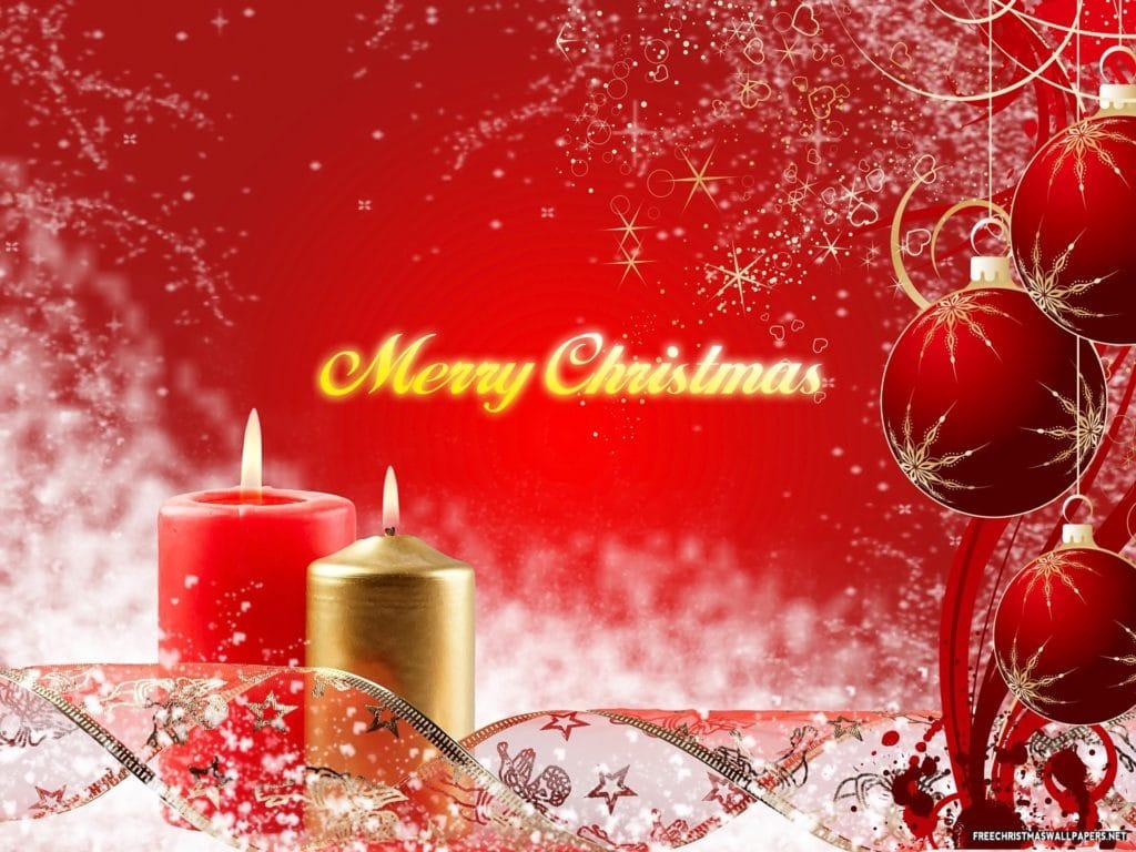 svíčky a vánoční koule na obrázkovém vánočním přání