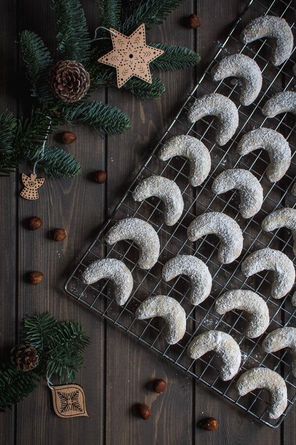 nutellové rohlíčky obalené v moučkovém cukru