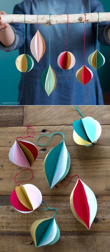 Návod jak si vyrobit jednoduché vánoční ozdoby z papíru.