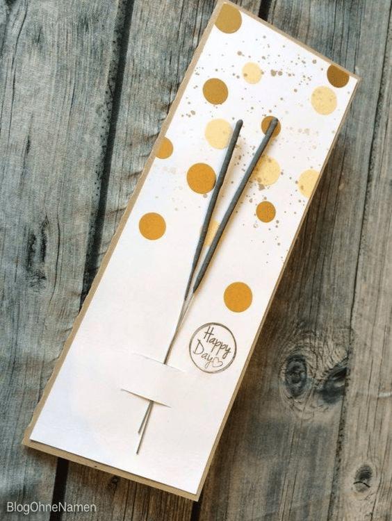 Návod jak si vyrobit jednoduché novoroční PF přání s prskavkami z papíru.