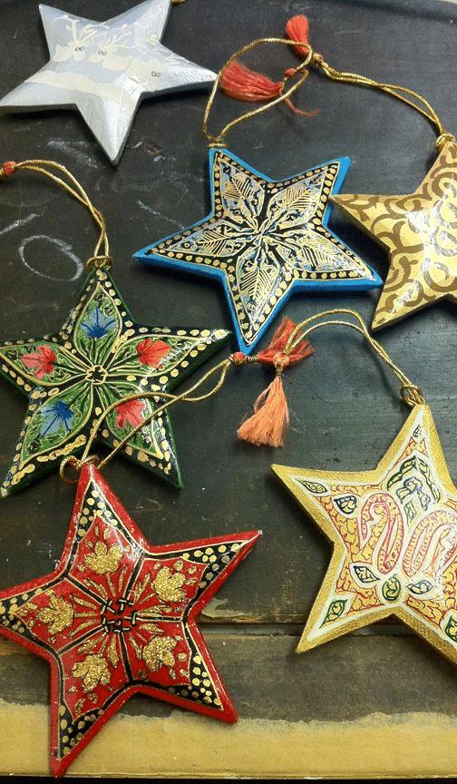 Tradiční ruské vánoční ozdoby - hvězdy.
