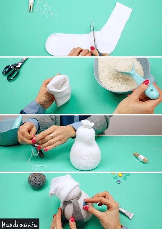 Postup jak si vyrobit sněhuláčka z ponožky.