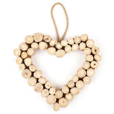 Dekorativní dřevěné srdce z kulatin na zavěšení.