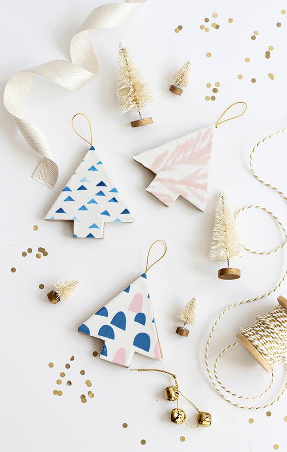 Návod jak si vyrobit jednoduché vánoční stromečky ze dřeva.