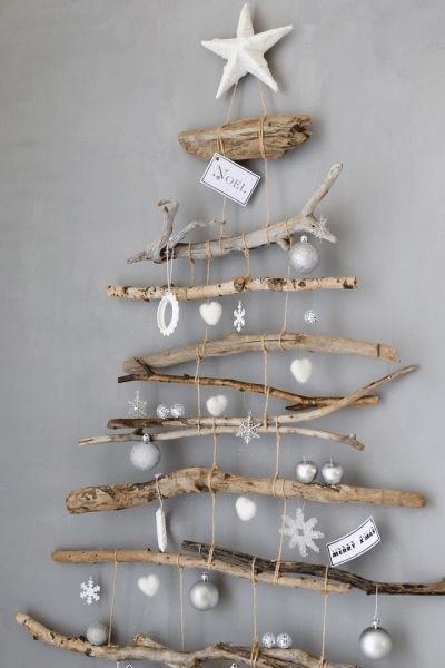 Vánoční dekorace na stěnu v severském stylu.