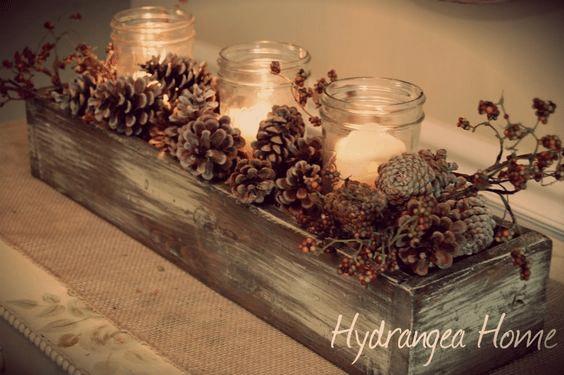 Návod jak si doma vyrobit jednoduchý dřevěný svícen na okno či parapet.