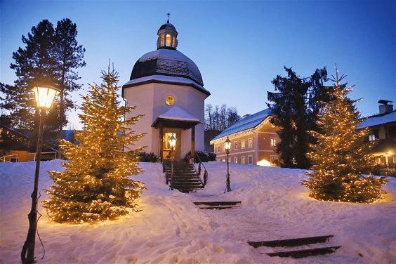 Kaple, kde poprvé zazněla vánoční koleda Tichá noc.