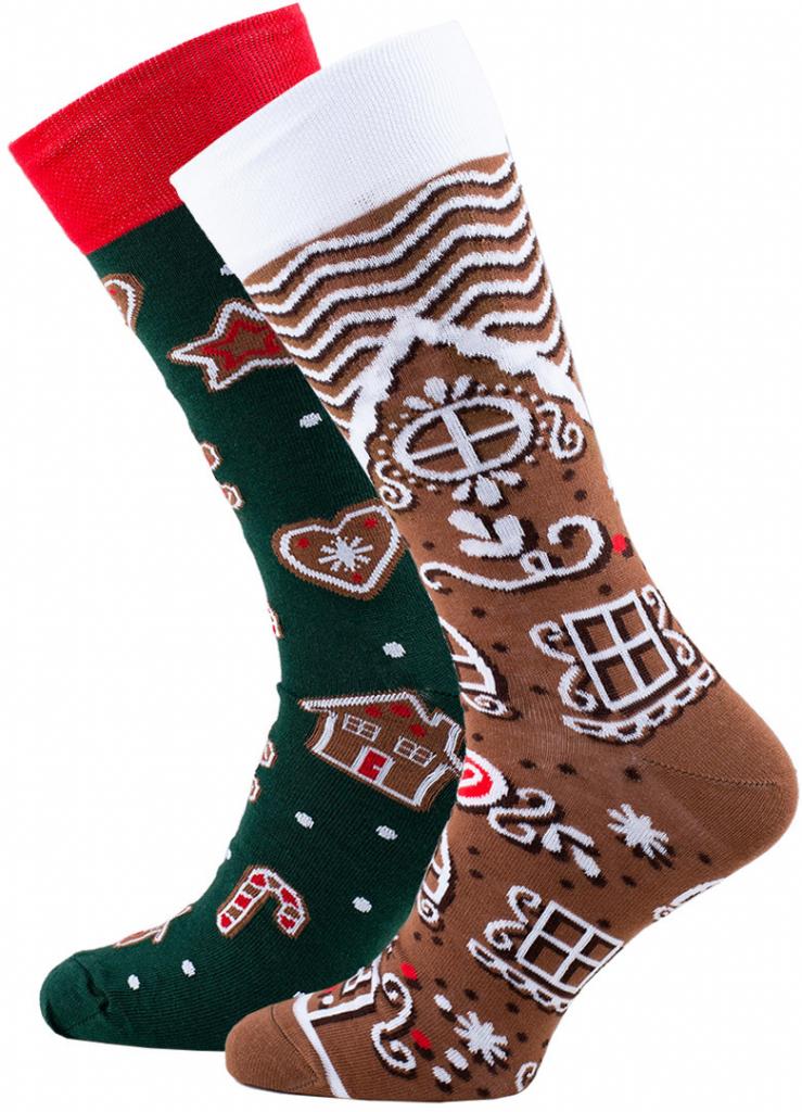 Vánoční ponožky s perníčky každá jiná.
