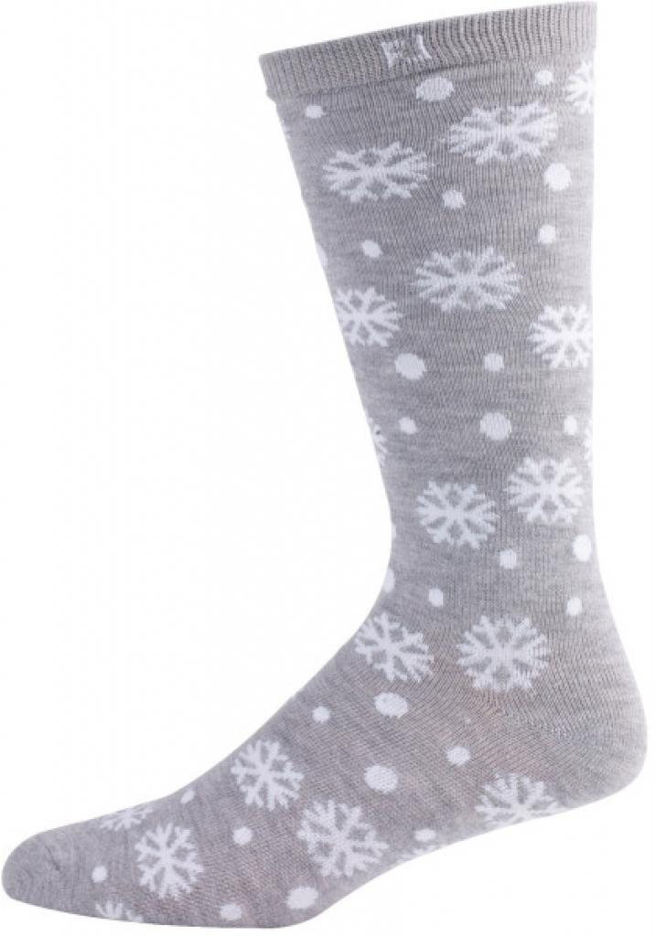 Šedé zimní ponožky s bílými sněhovými vločkami.