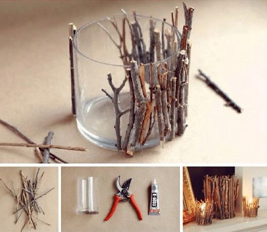 Návod jak si vyrobit vánoční svícen ze svíčky ve skle a dřevěných větviček.