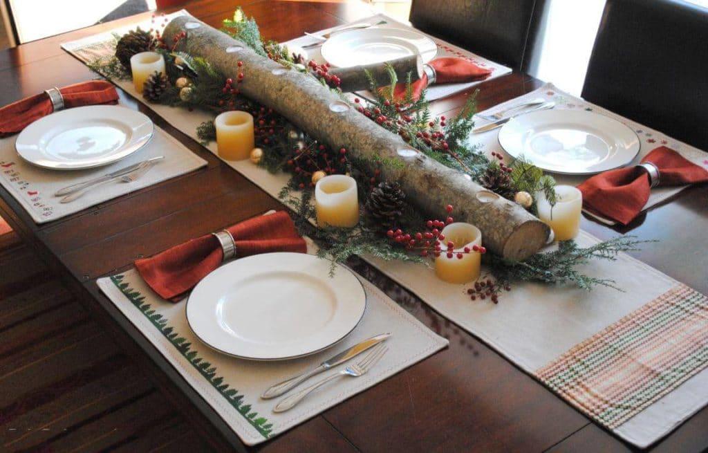 Přírodní dekorace na vánoční stůl z chvojí