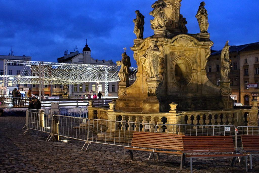 Veřejné kluziště je součástí vánočních trhů v Olomouci.