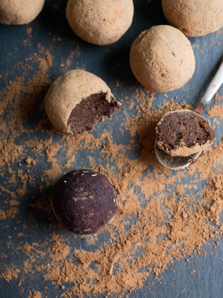 Výtečné čokoládové pralinky s medem.