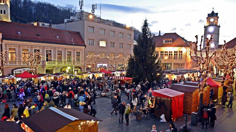 Vánoční jarmark v Trnave.