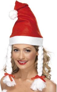 K vánoční čepkou s copánky se hodí i nějaké hezké šaty.