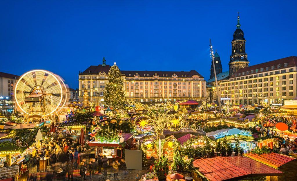 Nejstarší vánoční trh v Evropě je umístěn v Drážďanech.