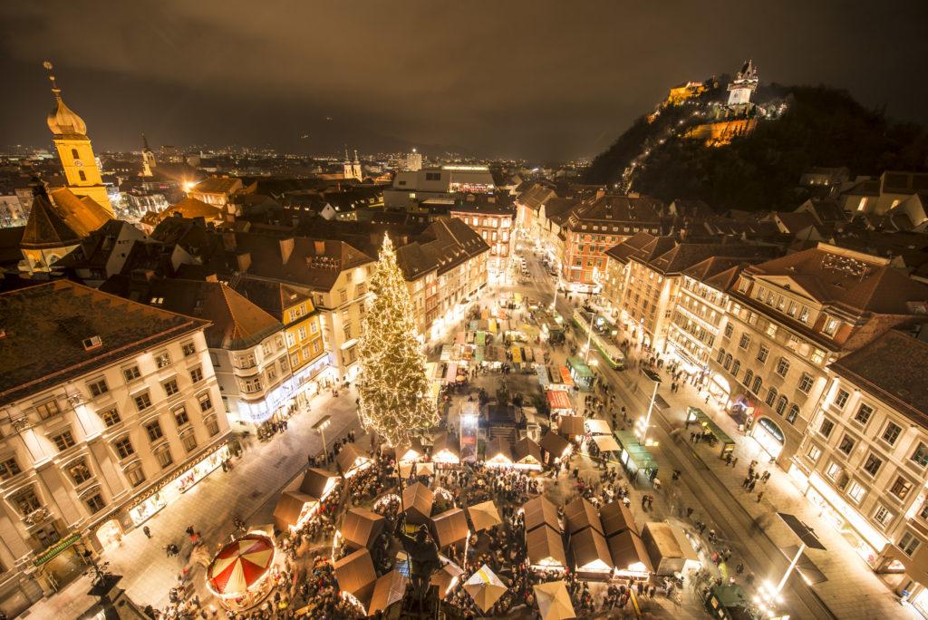 A nakonec nesmí chybět vánoční jarmark v Grazu.