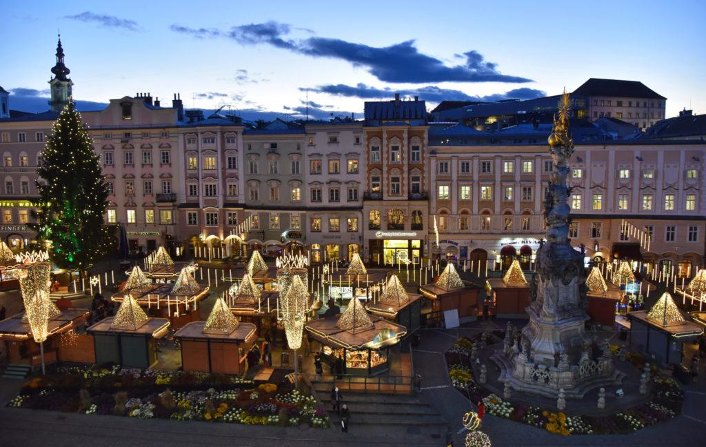 A co říkáte na krásné vánoční trhy v Linzi.