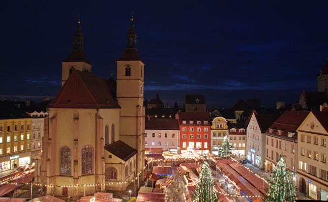 Vánoční trhy v Řezně nebo také Regensburgu.