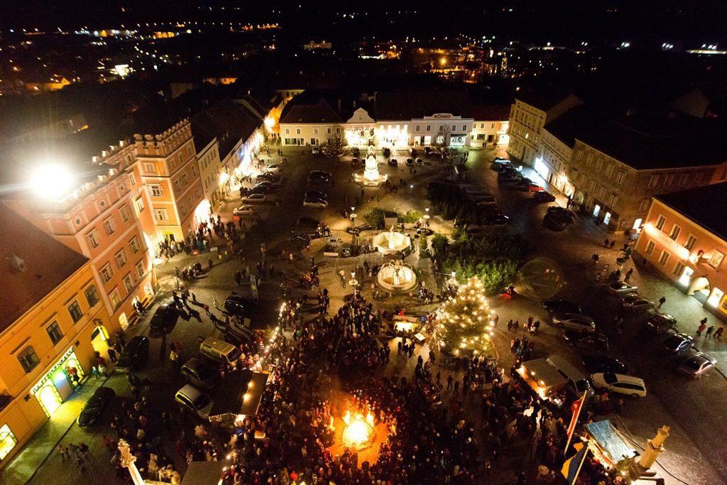 Na vánočních trzích v Retzu zažijete také pochod krampusů.