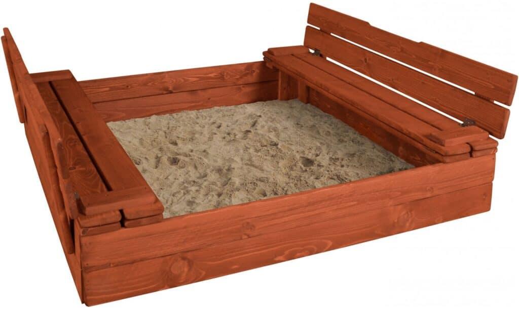 Dětské dřevěné pískoviště.