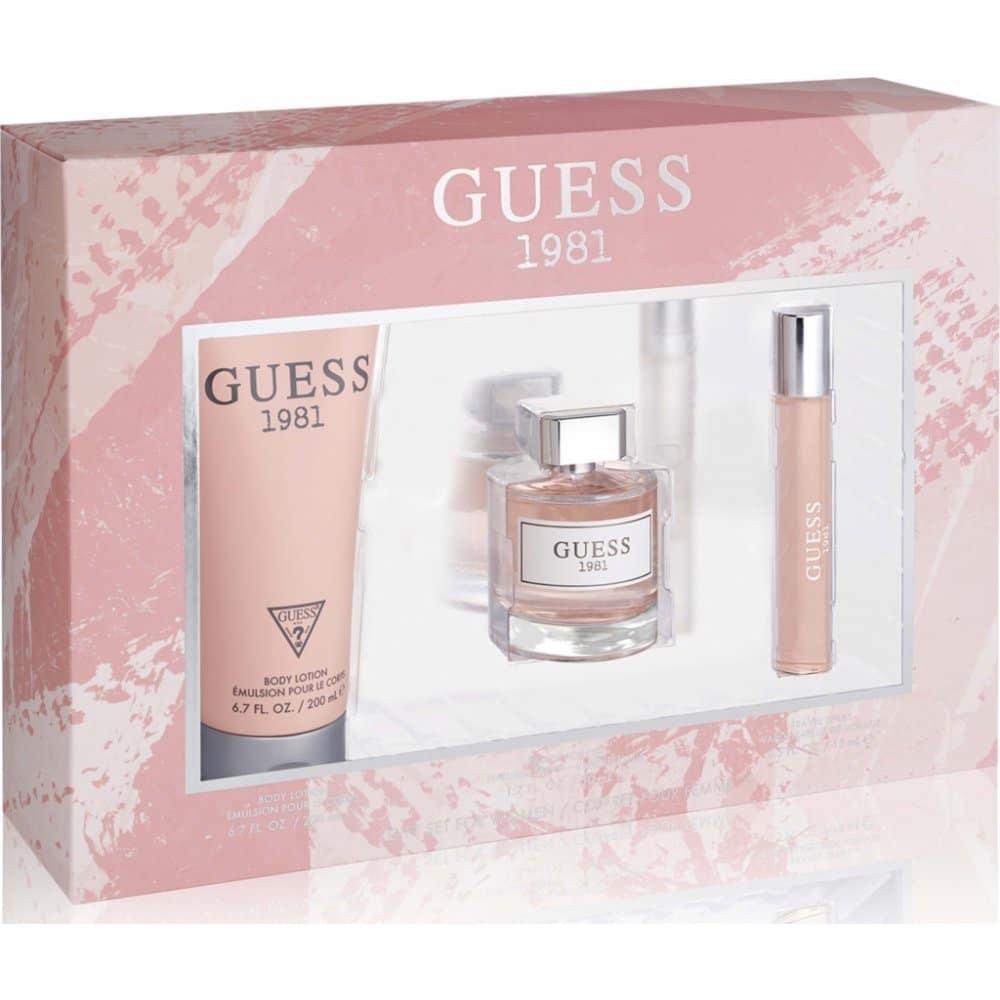 Sada kosmetiky Guess obsahující parfém, tělové mléko a toaletní vodu.