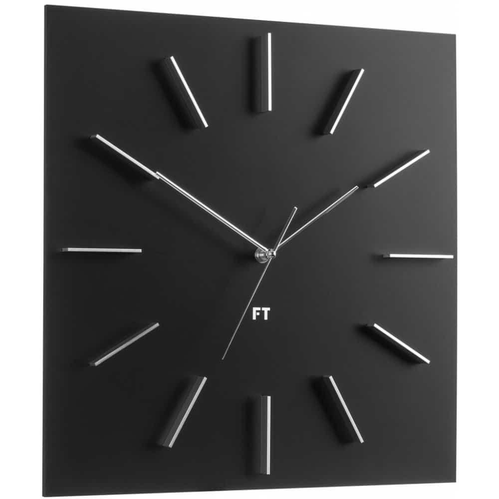 Černé nástěnné hodiny české značky Future Time.