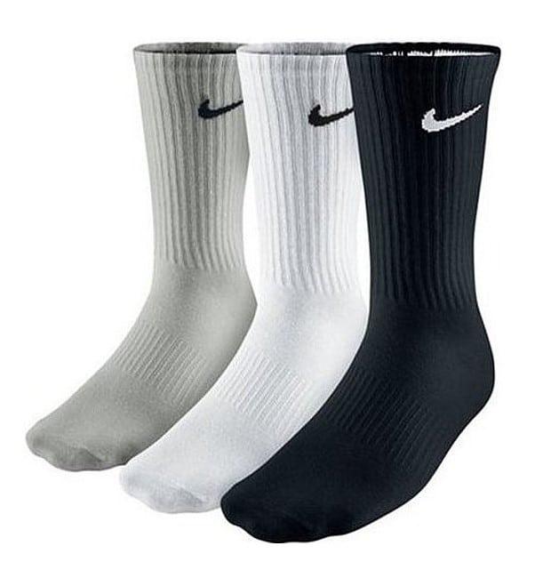 Sada pánských Nike ponožek.