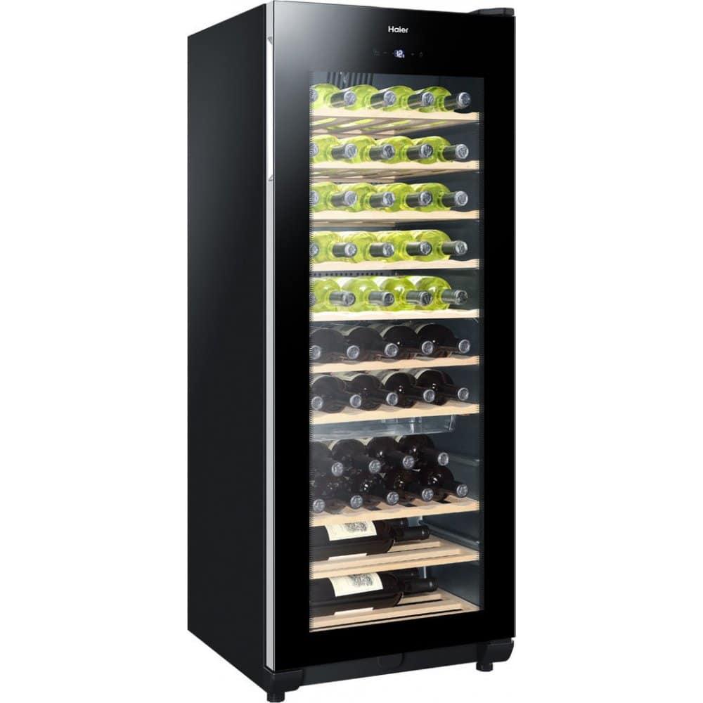 Skříňka na víno s chladícím systémem.